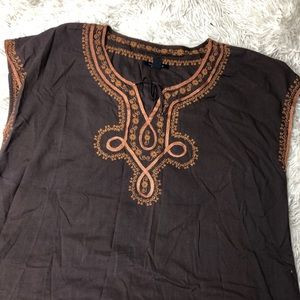 Tommy Hilfiger Tops - Embroidered Key Hole Blouse!